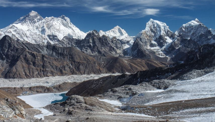 Renjo la pass in everest region
